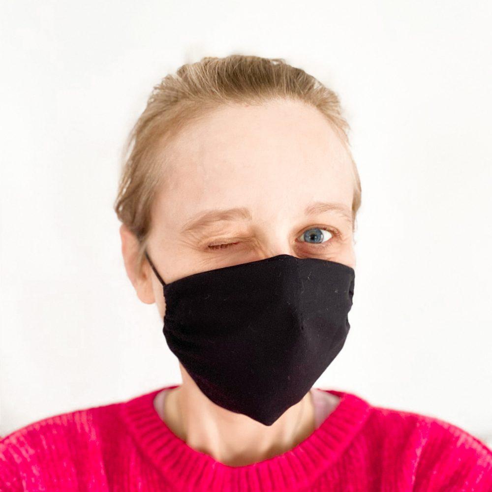 mascherina di stoffa nera